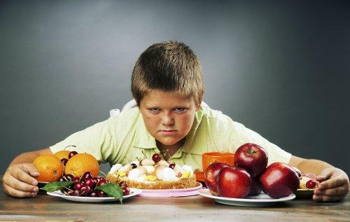 NUTRIADAPT Každé desáté české dítě bojuje s obezitou nebo nadváhou OBEZITA CHLAPEC