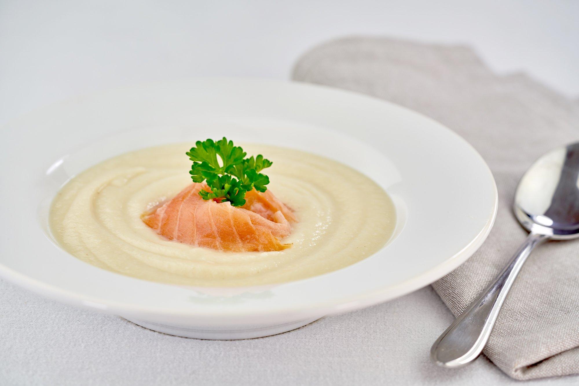 Svět zdraví recepty Celerový krém s uzeným lososem